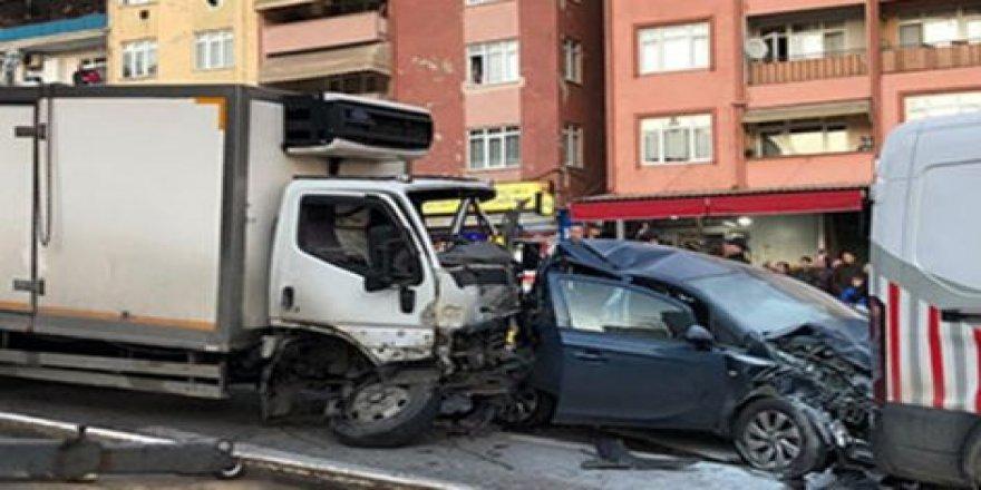 izmitte feci trafik kazası
