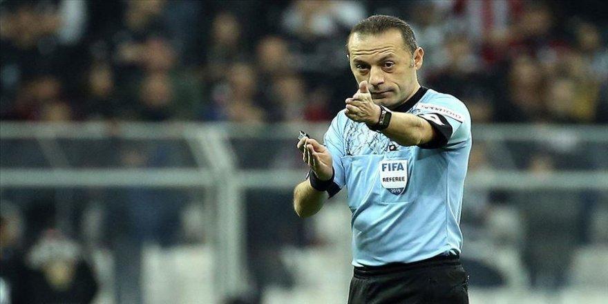 Cüneyt Çakır, UEFA Şampiyonlar Ligi'nde Napoli-Genk maçını yönetecek