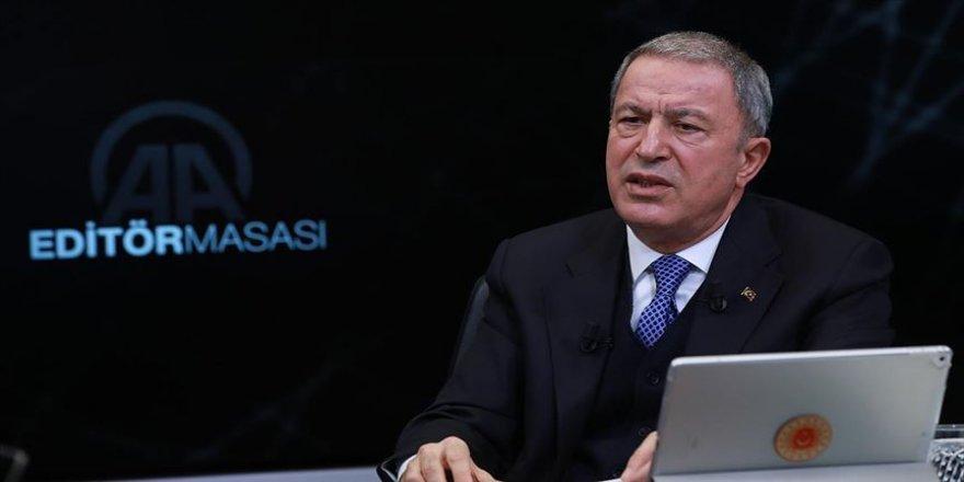 Milli Savunma Bakanı Akar: Yeni askerlik sistemini beklentileri karşıladı