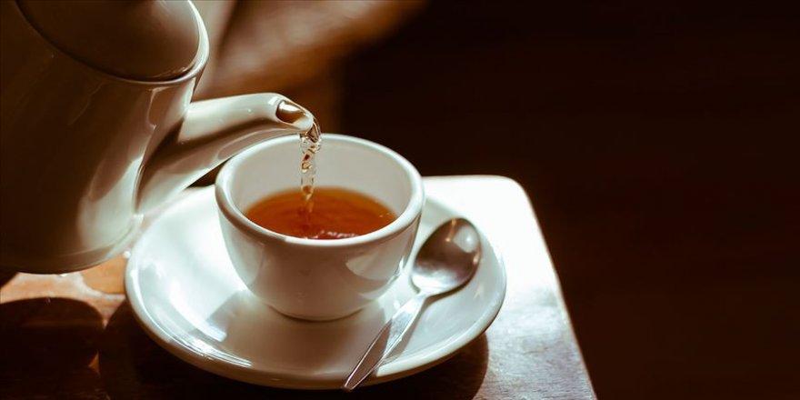 Boğaz tahrişine karşı limonlu su, karanfil ve ekinezya çayı