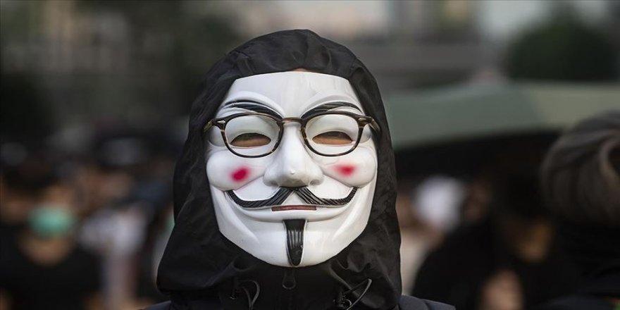 Hong Kong'da hükümetin maske yasağını sürdürme talebi reddedildi