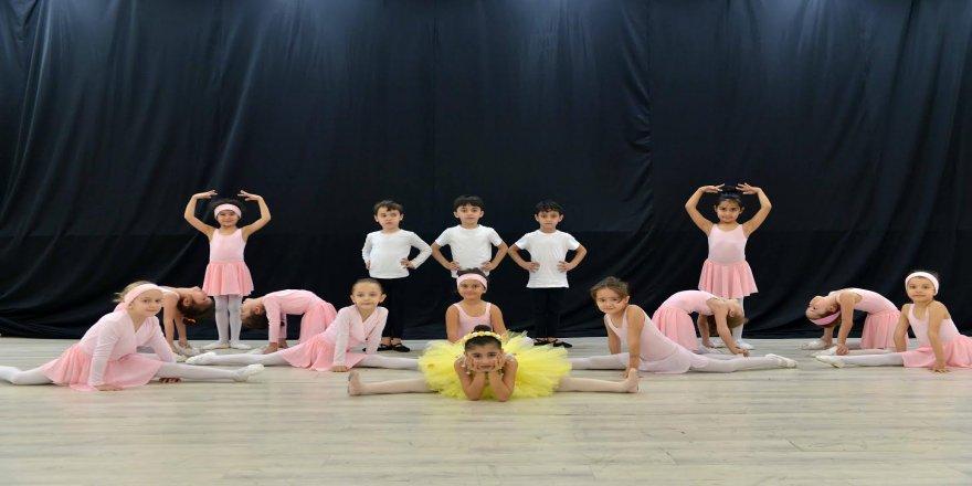 Geleceğin balerinleri yetişiyor ! Balenin çocuklara faydaları