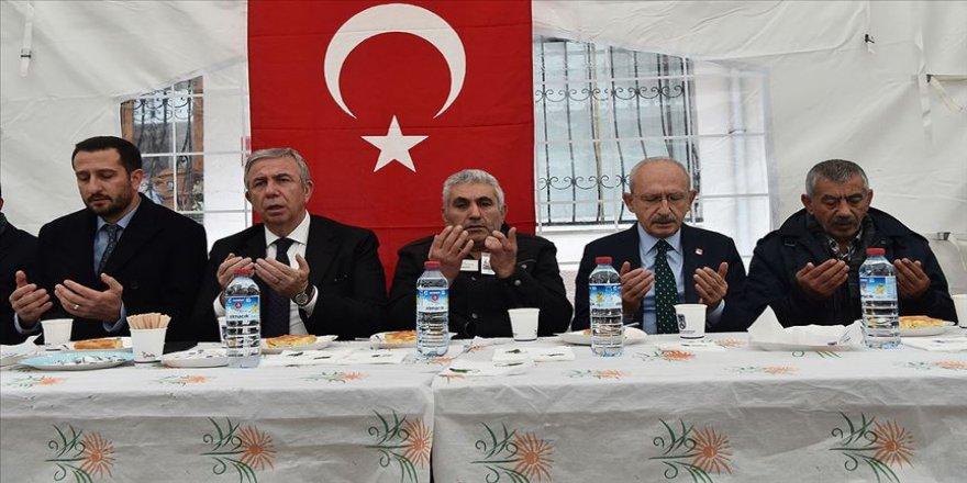 Kılıçdaroğlu'ndan şehit Yıldırım'ın ailesine taziye ziyareti