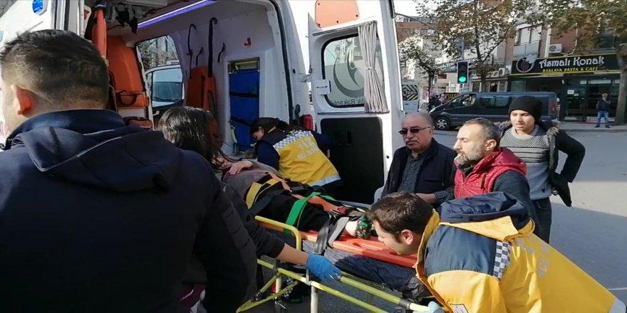 Gebze'de Servis Minibüsü Yaşlı Kadına Çarptı !