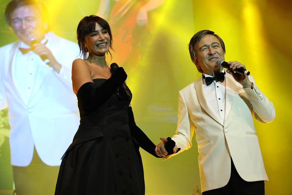 Erol Evgin görkemli finalde Sıla ile muhteşem düet yaptı