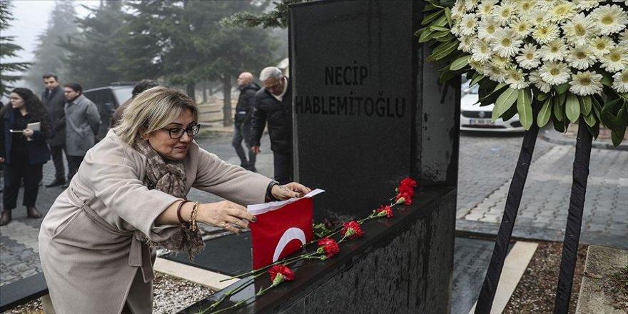 Necip Hablemitoğlu mezarı başında anıldı