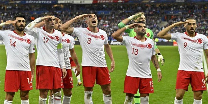 UEFA'dan A Milli Takım'a 'asker selamı' cezası