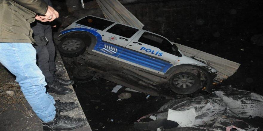 Gebze'de dur ihtarına uymadı ! İki araçta devrildi