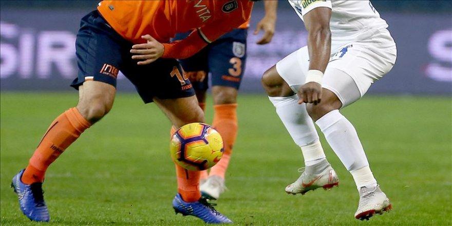 Medipol Başakşehir, Süper Lig'de ilk yarıyı Kasımpaşa maçıyla kapatıyor