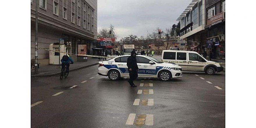 Gebze'de, cadde ve sokaklar trafiğe kapatıldı