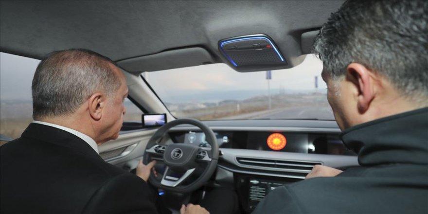 Cumhurbaşkanı Erdoğan 'Türkiye'nin Otomobili'ni kullandı