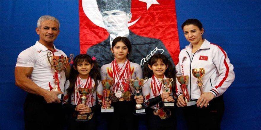 Milli takım antrenörü anne babanın madalya avcısı şampiyon çocukları