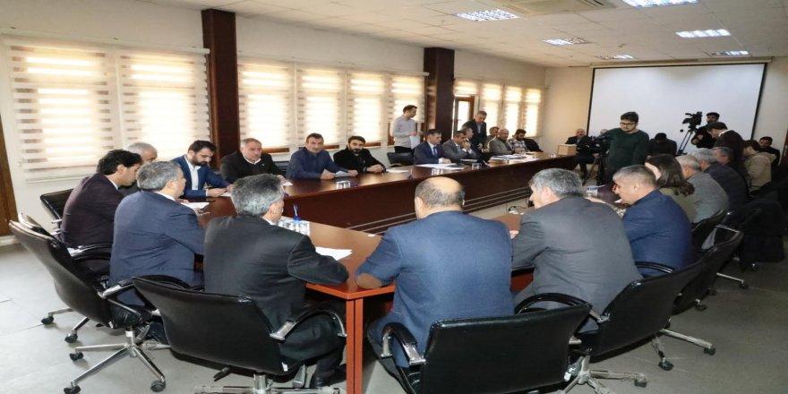 Meclis toplantısında,personelin maaşına zam yapılması kararlaştırıldı
