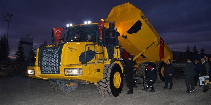 Bakan Varank 'sürücüsüz tarım aracı' ve 'kaya kamyonu'nu test etti