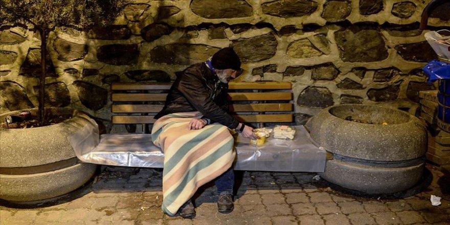 İstanbul Valiliği sokakta kalan vatandaşları misafir etmek için çalışma başlattı
