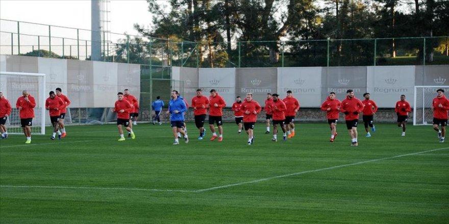 Antalyaspor Teknik Direktörü Tamer Tuna'nın hedefi takımı ligde tutmak