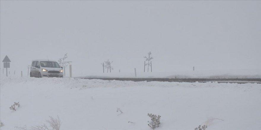Ağrı, Kars ve Erzurum'da soğuk hava etkisini sürdürüyor