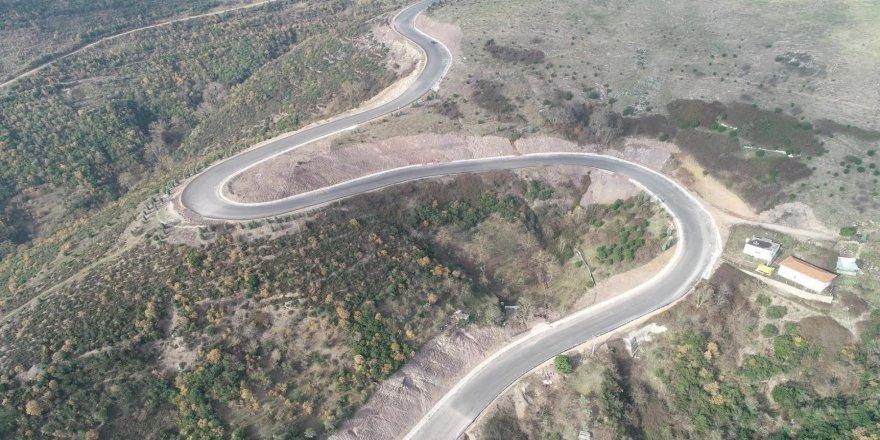 Yeni yol inşaları ve onarım çalışmaları devam ediyor