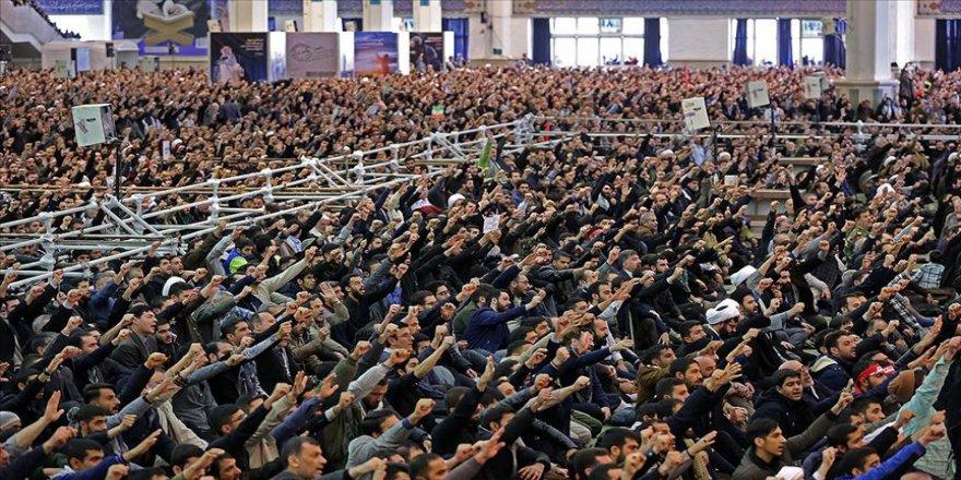 İran'da rejim yanlılarından ABD karşıtı gösteri