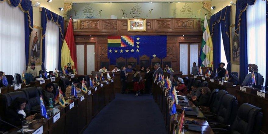 Bolivya'da geçici hükümetin görev süresini uzatan tasarı onaylandı