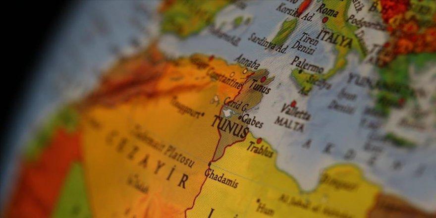 Tunus'tan 'hava sahasını ihlal edeni vurmaya hazırız' uyarısı