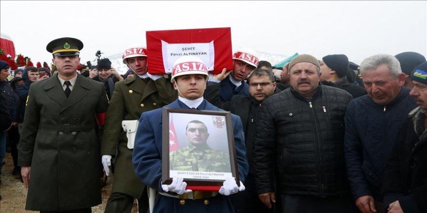 Şehit Piyade Sözleşmeli Er Fevzi Altınayak'ın naaşı Konya'da toprağa verildi