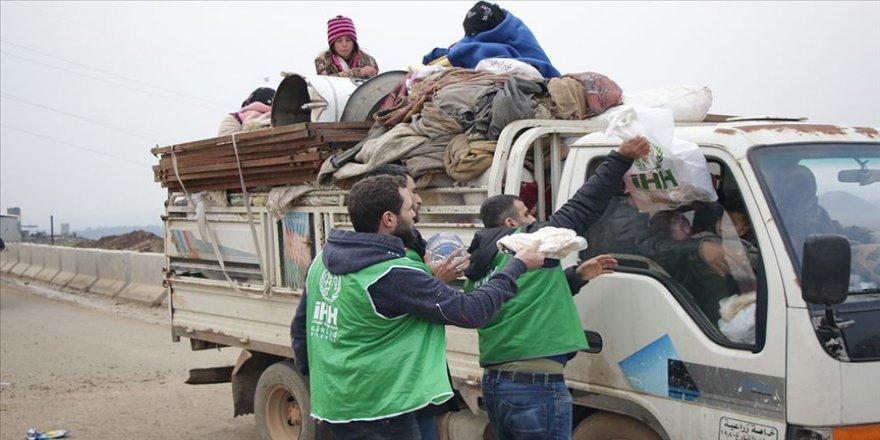 İHH'den Suriye'de göç yoluna düşenlere acil yardım paketi