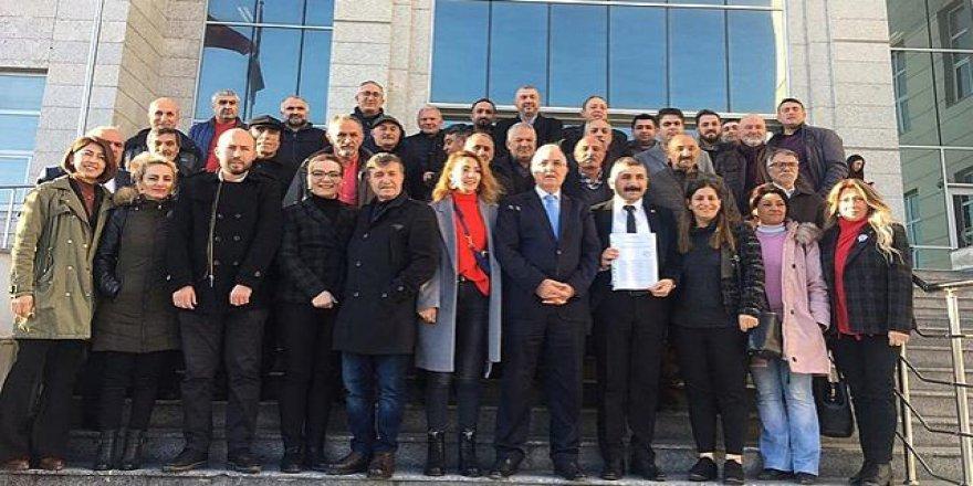 CHP'li Orhan mazbatasını aldı