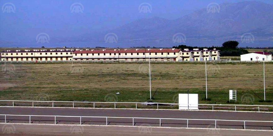 Türkiye Jokey Kulübü depremzedeler için Yurtbaşı'ndaki hipodromu açtı