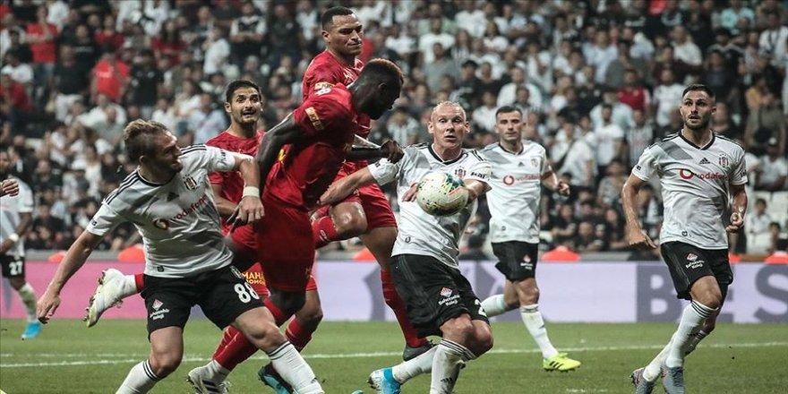 Beşiktaş yarın Göztepe'ye konuk olacak