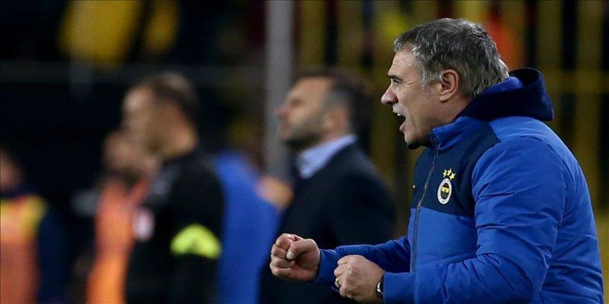 Fenerbahçe Teknik Direktörü Yanal: Şampiyonluğu hak edecek bir oyun ortaya koyduk