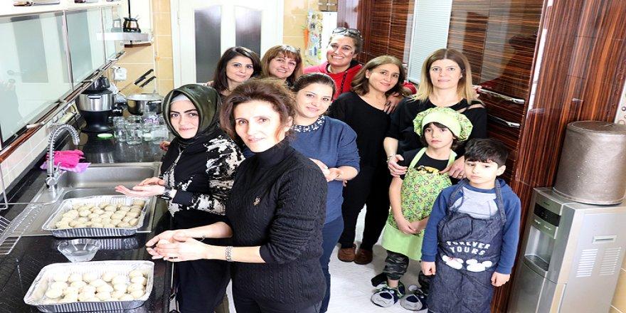 Sivaslı kadınların mutfağı 'iyilik' kokuyor