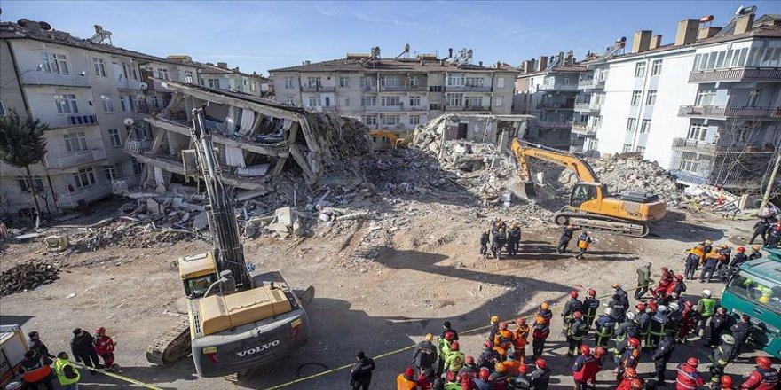 Deprem nedeniyle varlıklarının üçte birini kaybedenlerin vergi borcu silinecek