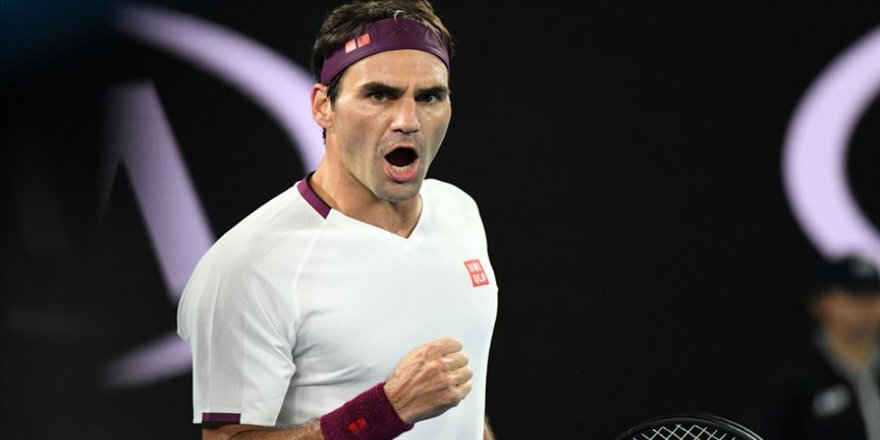 7 kez maç puanı çeviren Federer yarı finalde