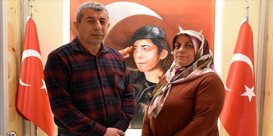15 Temmuz şehidinin ailesi, devletin verdiği evi Türk Kızılaya bağışladı