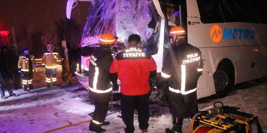 Anadolu Otoyolu'nda zincirleme trafik kazası: 1 ölü, 19 yaralı yaralı