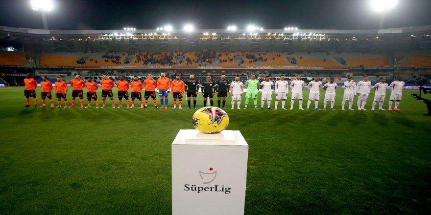 Medipol Başakşehir maç fazlasıyla ikinci sıraya yükseldi