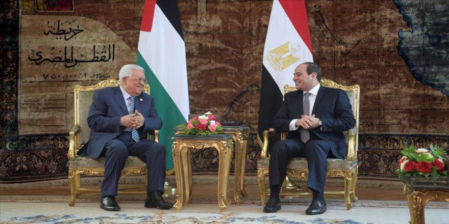 Sisi ve Abbas Filistin meselesini görüştü