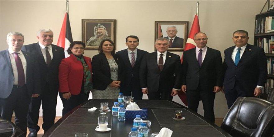 CHP'den sözde Orta Doğu barış planına karşı Filistin Büyükelçiliğine destek ziyareti