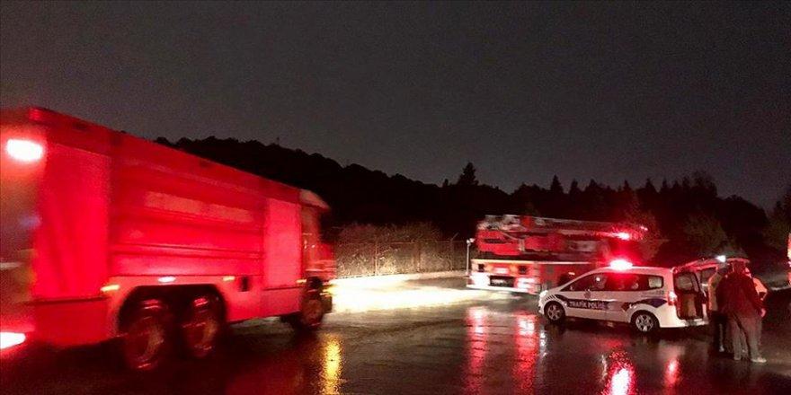 Tuzla'da askeri alanda yangın çıktı
