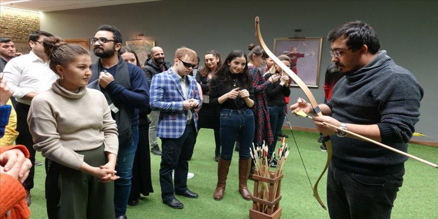 16 ülkeden Türkologlar ok atma deneyimi yaşadılar
