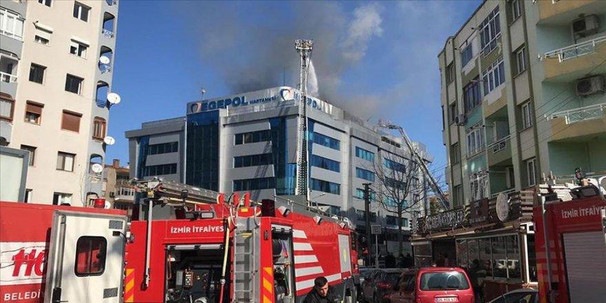 İzmir'de özel hastanede çıkan yangın söndürüldü
