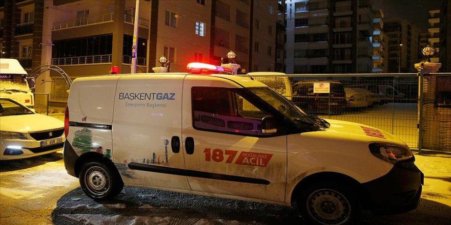 Başkentte karbonmonoksitten zehirlenen aynı aileden 4 kişi hastaneye kaldırıldı