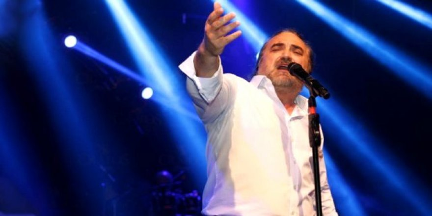 Volkan Konak konserinde şaşırtan vasiyetini duyurdu !
