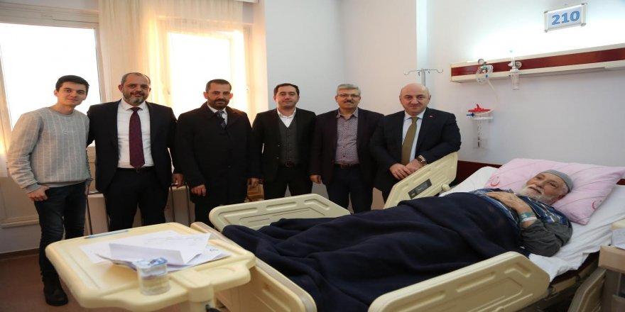 Bıyık, Farabi'de hastaları ziyaret etti
