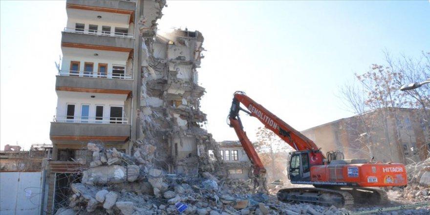 Malatya Valiliği: 3 bin 249 binanın ağır hasarlı