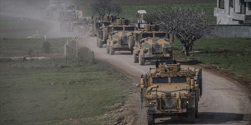 Türk komandoları vatandaşların okuduğu Fetih Suresi eşliğinde sınıra gitti