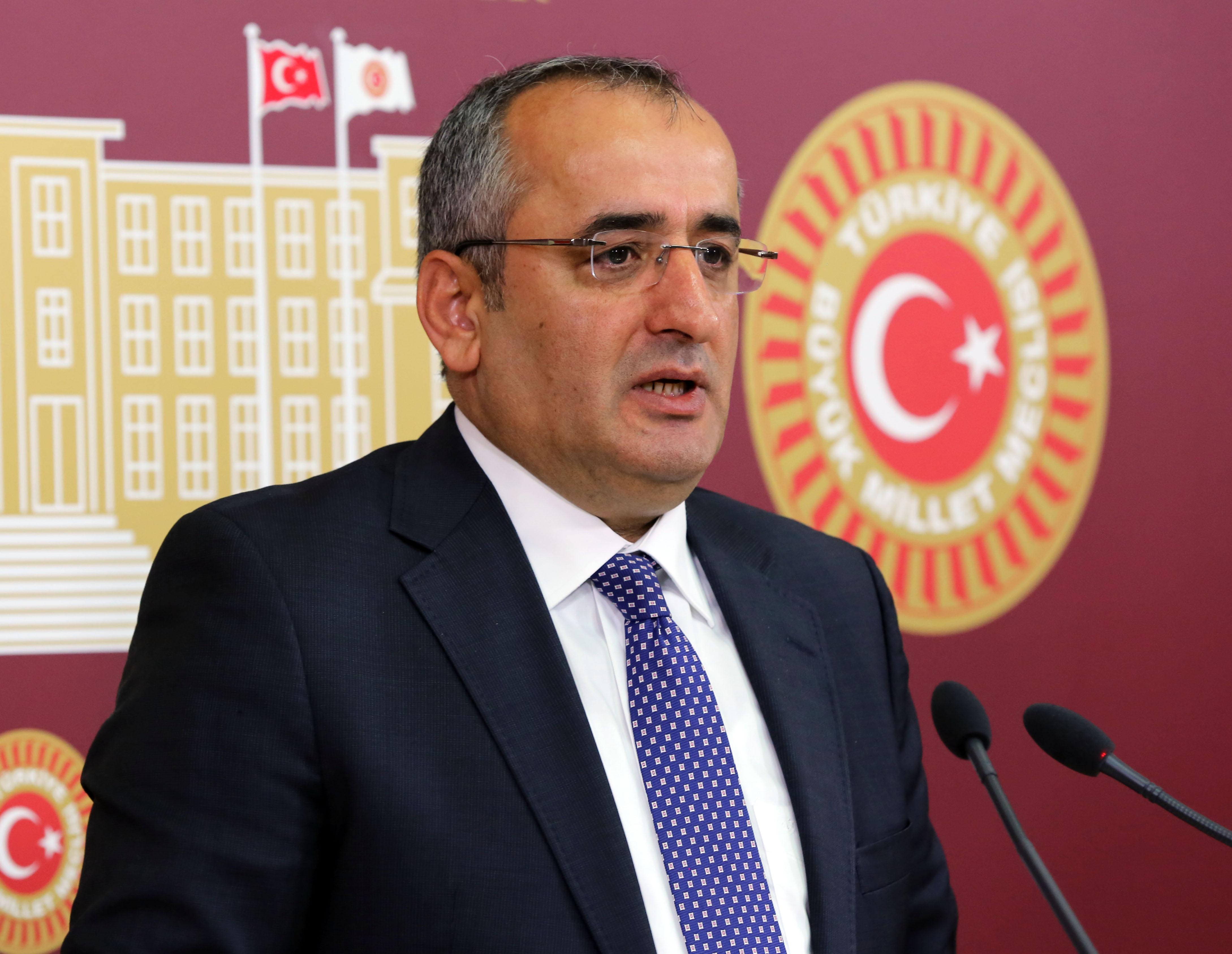 CHP'li Akar, 65 yaş üstünü sordu