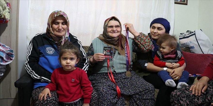 Milli güreşçi Süleyman Karadeniz'in babaevinde Avrupa Şampiyonluğu sevinci