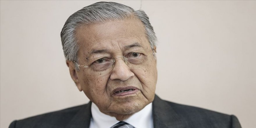 Malezya Başbakanı Mahathir kasımdan sonra görevini devredeceğini açıkladı